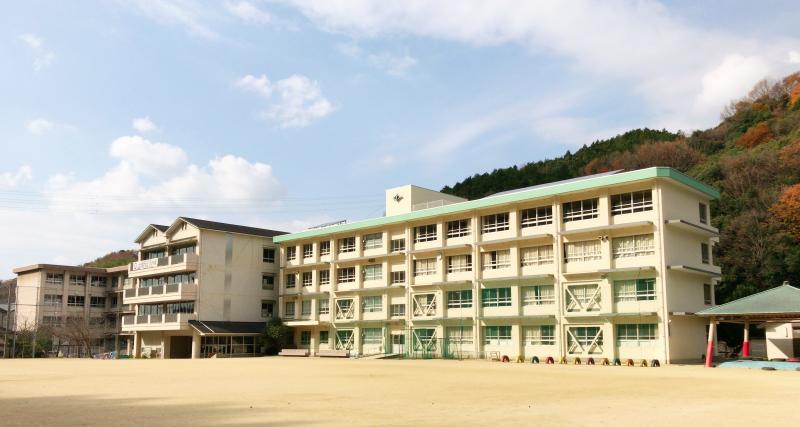 ホーム - 松山市立湯山小学校